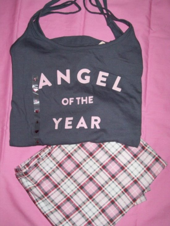 Victorias_Secret_Pillowtalk_Sleepwear_Angel